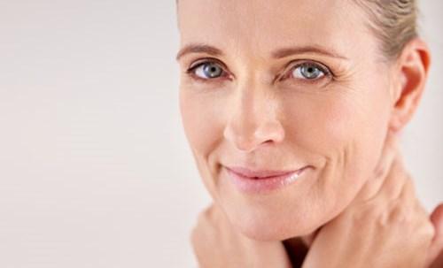 Øyelokkoperasjonen gjør at jeg ser 10 år yngre ut! | Aleris